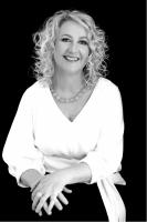 Dr Linda Wilson.png